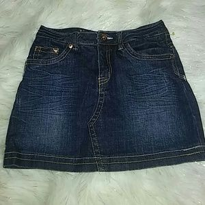 Girls bluesman skirt with shorts underneath. NEW